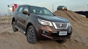 Nissan terra V (2 cầu at)