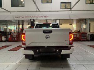 Nissan navara vl màu trắng
